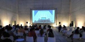 Sesión de cine en la Plaza de las Culturas