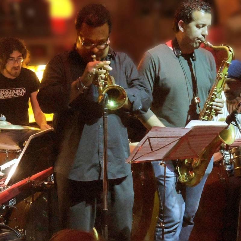 Grupo CU-BOP tocando sus instrumentos musicales