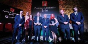 Premiados y autoridades en los XXXIII Premios Literarios Jaén de CAJAGRANADA