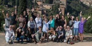 Escritoras y artistas del proyecto Hnegra durante su visita a la Alhambra, en el transcurso de Granada Noir