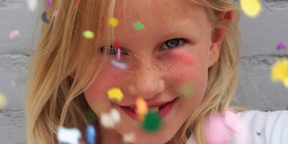 Primer plano de la cara de una niña