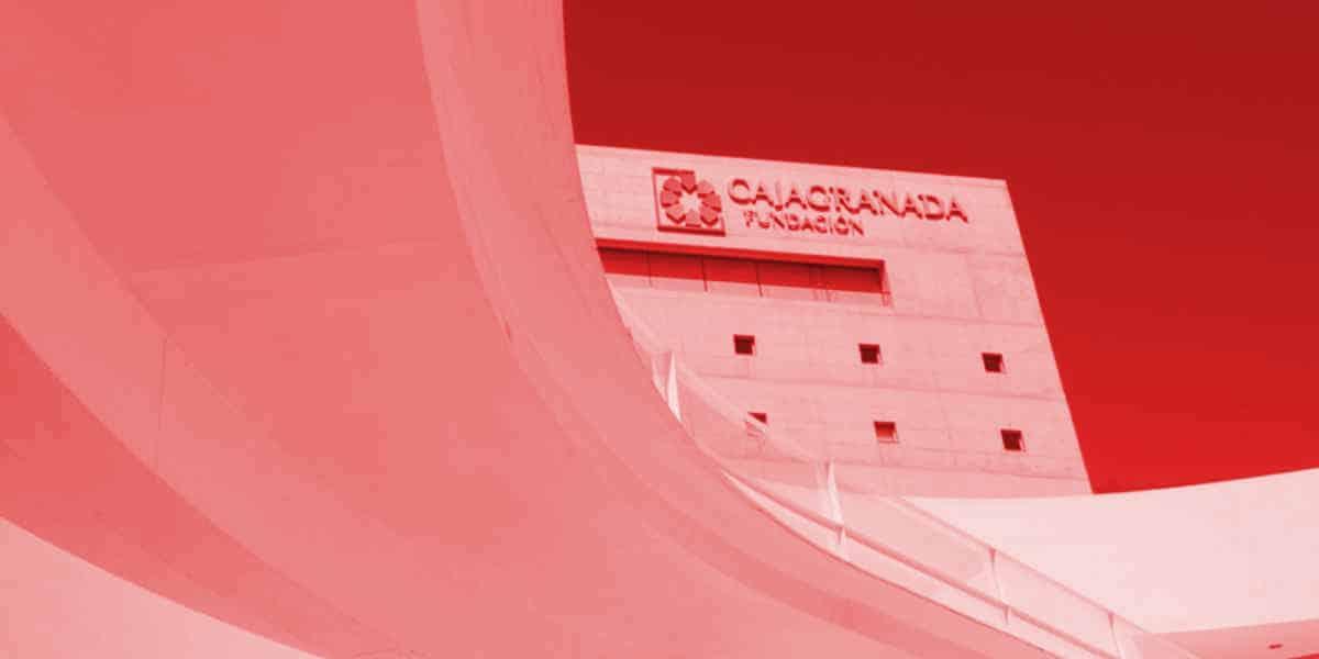 Centro Cultural Memoria de Andalucía de rojo