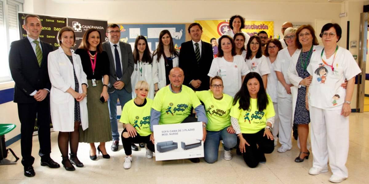 Acto de firma del acuerdo de CajaGranada Fundación, Bankia y la Asociación Capitán Antonio con el Área de Oncología del Hospital Materno Infantil