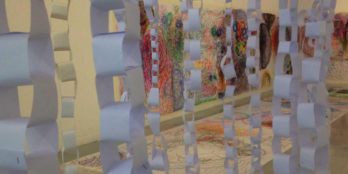 """Detalle de uno de los trabajos de la exposición """"Arte, Inclusión y Transformación II. dpapel, arte colaborativo"""""""