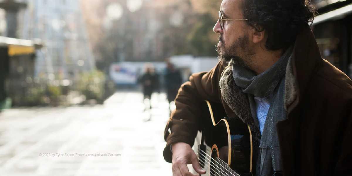 """El Teatro CajaGranada acoge el concierto """"Pensamiento, palabra, obra y omisión"""", de Juan Trova"""