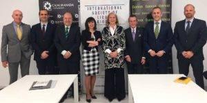 En la fotografía de izquierda a derecha: Isaías Ibáñez, Juan José Díaz, Fernando Cornet, María José Serrano, María Elena Martín-Vivaldi, José Luis García, José Antonio González y Santiago Maroto
