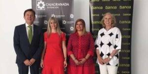 El director corporativo de la Territorial de Bankia en Andalucía, Joaquín Holgado; la consejera delegada de Fermasa, Manuela Bertos; la alcaldesa de Armilla y la presidenta de Fermasa, Dolores Cañavate; y la presidenta de CajaGranada Fundación, María Elena Martín-Vivaldi