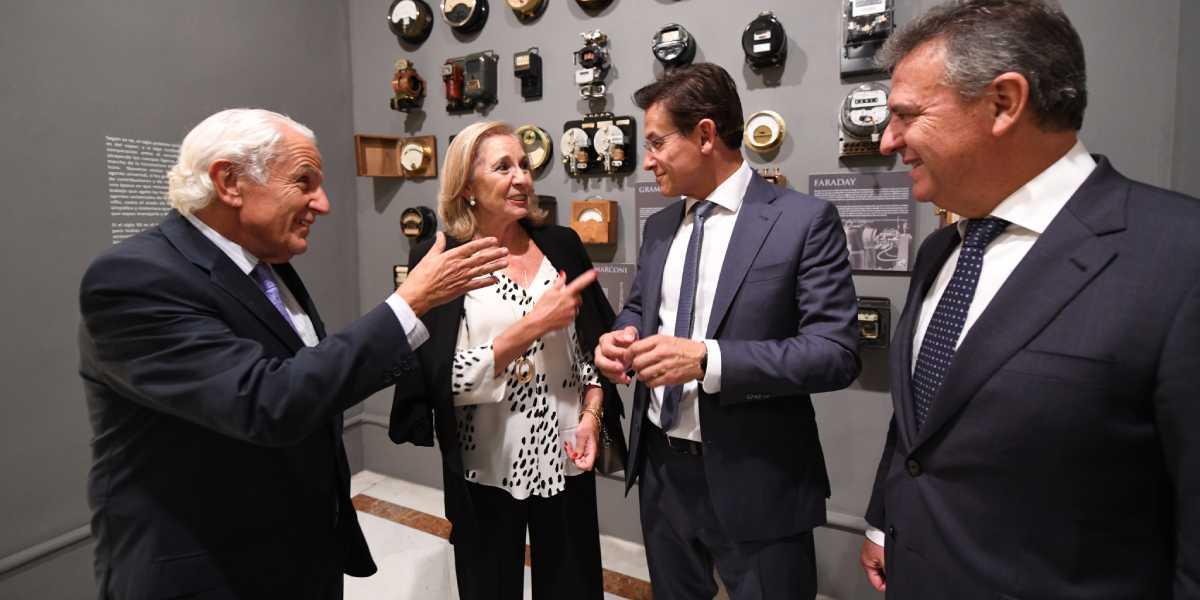CajaGranada Fundación y Fundación Endesa presentan la exposición 'El siglo de la luz', que conmemora la electrificación de Granada