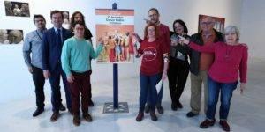 Foto de familia de organizadores y participantes en las II Jornadas de Danza y Teatro Inclusivos