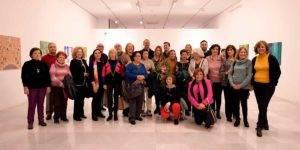 Alumnos, docentes y responsables del taller de pintura Pablo Picasso