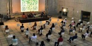 Sesión de 'Encuentros en la Tercera Fase' (Festival Gravite) en la Plaza de las Culturas del Centro Cultural CajaGranada