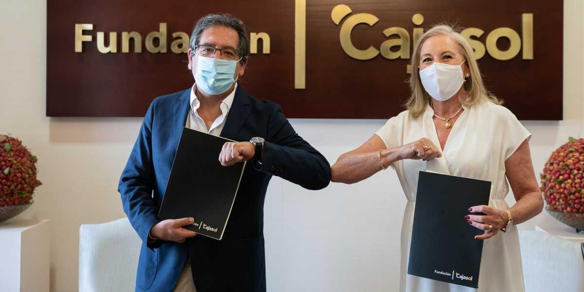 El presidente de Fundación Cajasol, Antonio Pulido y la presidenta de CajaGranada Fundación, María Elena Martín-Vivaldi