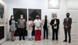 Foto de familia de la presentación de la exposición 'Arte para aprender' 2021